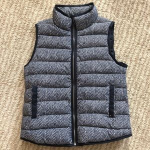 Tommy Hilfiger navy white chevron down puffer vest